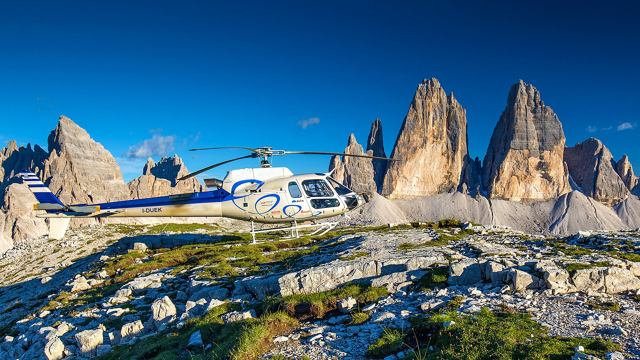 Helicopter flights to the Three Peaks