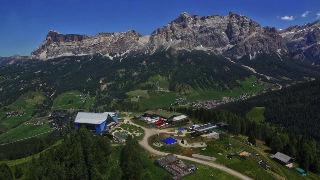 Vista panoramica Rifugio Club Moritzino Piz La Ila