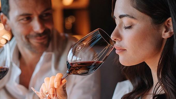 Degustazione di vini all'Hotel Adler di Ortisei - Vacanza romantica in Alto Adige