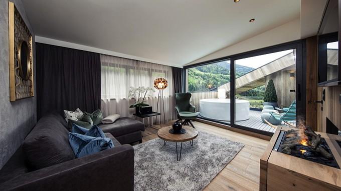Interno Bella Vista-Chalet – Quellenhof Resort- Suite e chalet di lusso in Val Passiria presso Merano