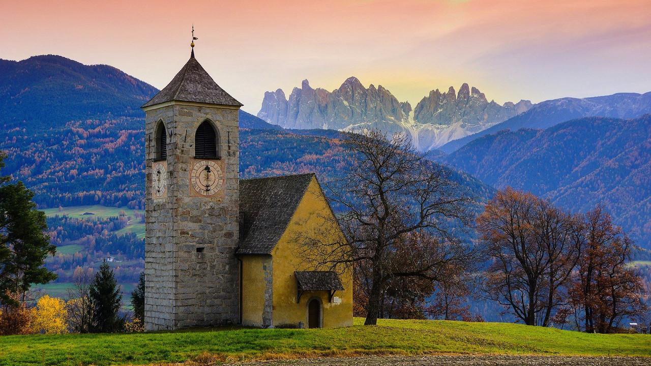 église dans les environs de Bressanone