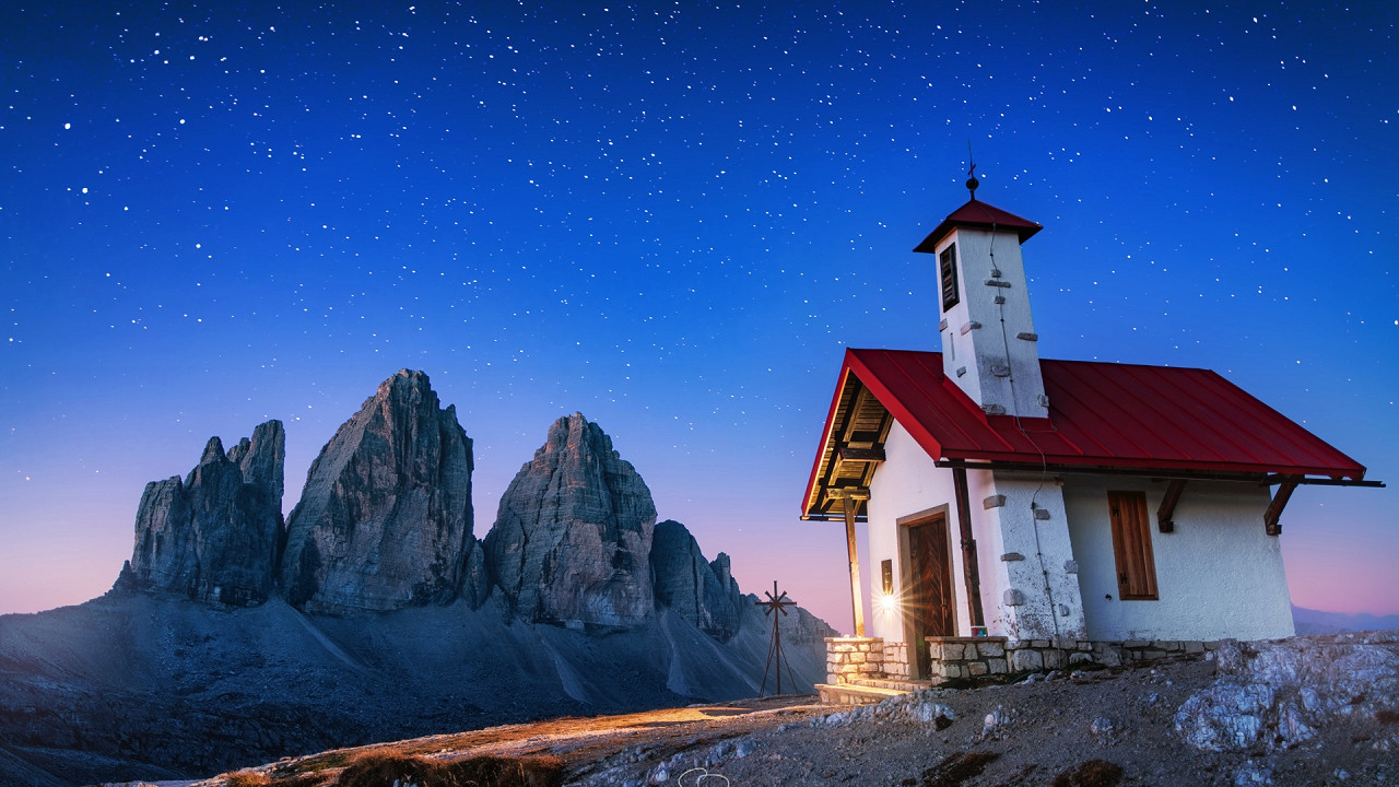 Church Locatelli mountain hut Tre Cime di Lavaredo