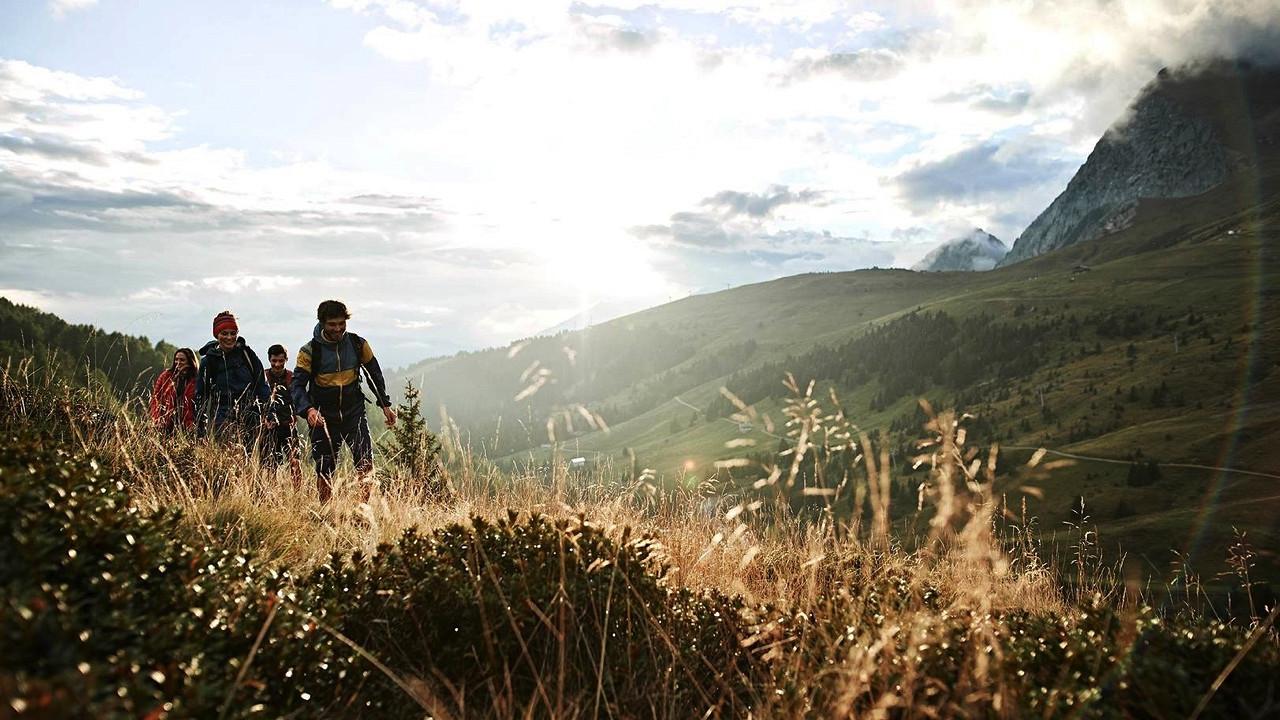Hiking Avelengo