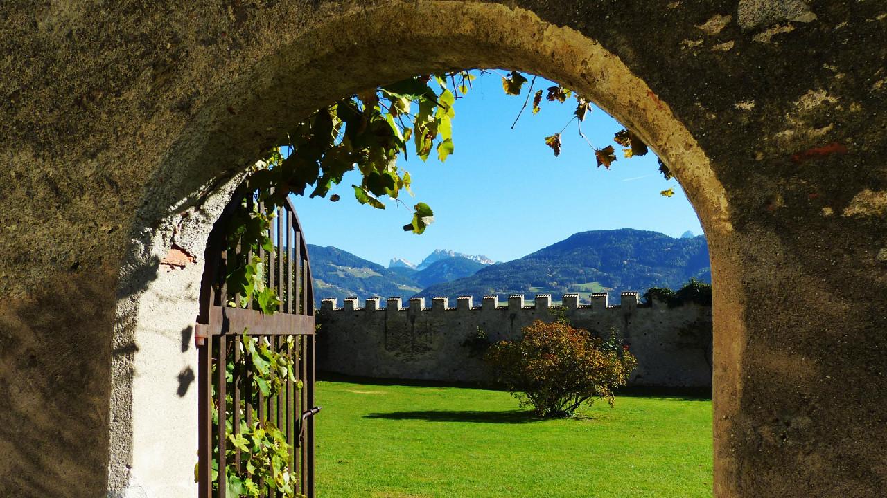 Velturno Castle