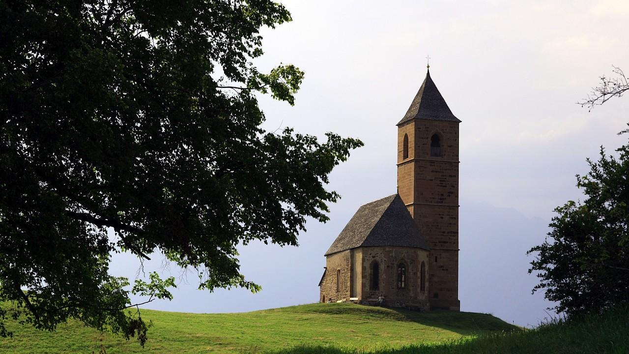 church near Avelengo