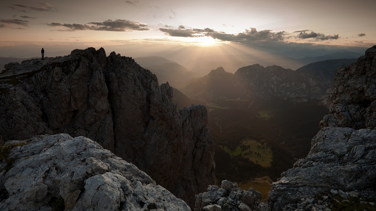 Lever au soleil sur la Val d'Ega