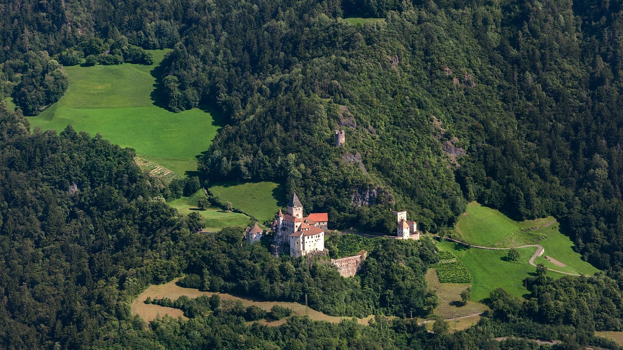 Trostburg Castle Valle Isarco