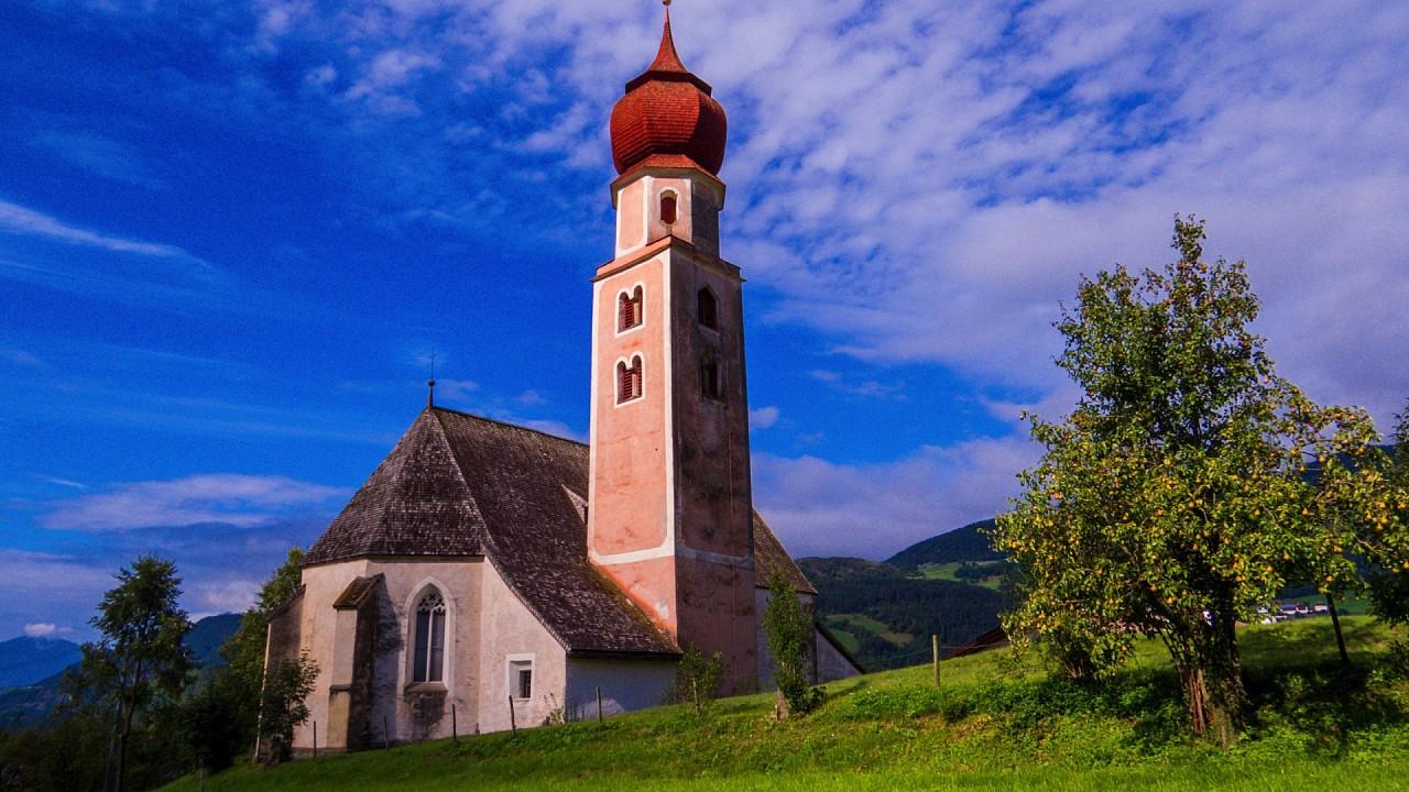 Saint Osvaldo Church in Castelrotto