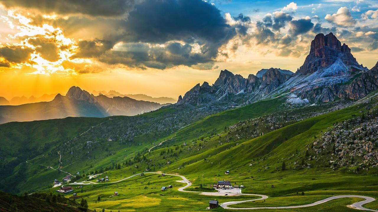 Sonnenuntergang am Passo Giau Cortina