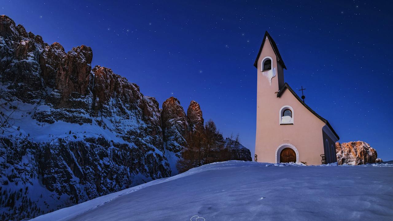Kirche Grödner Joch Wolkenstein in Gröden