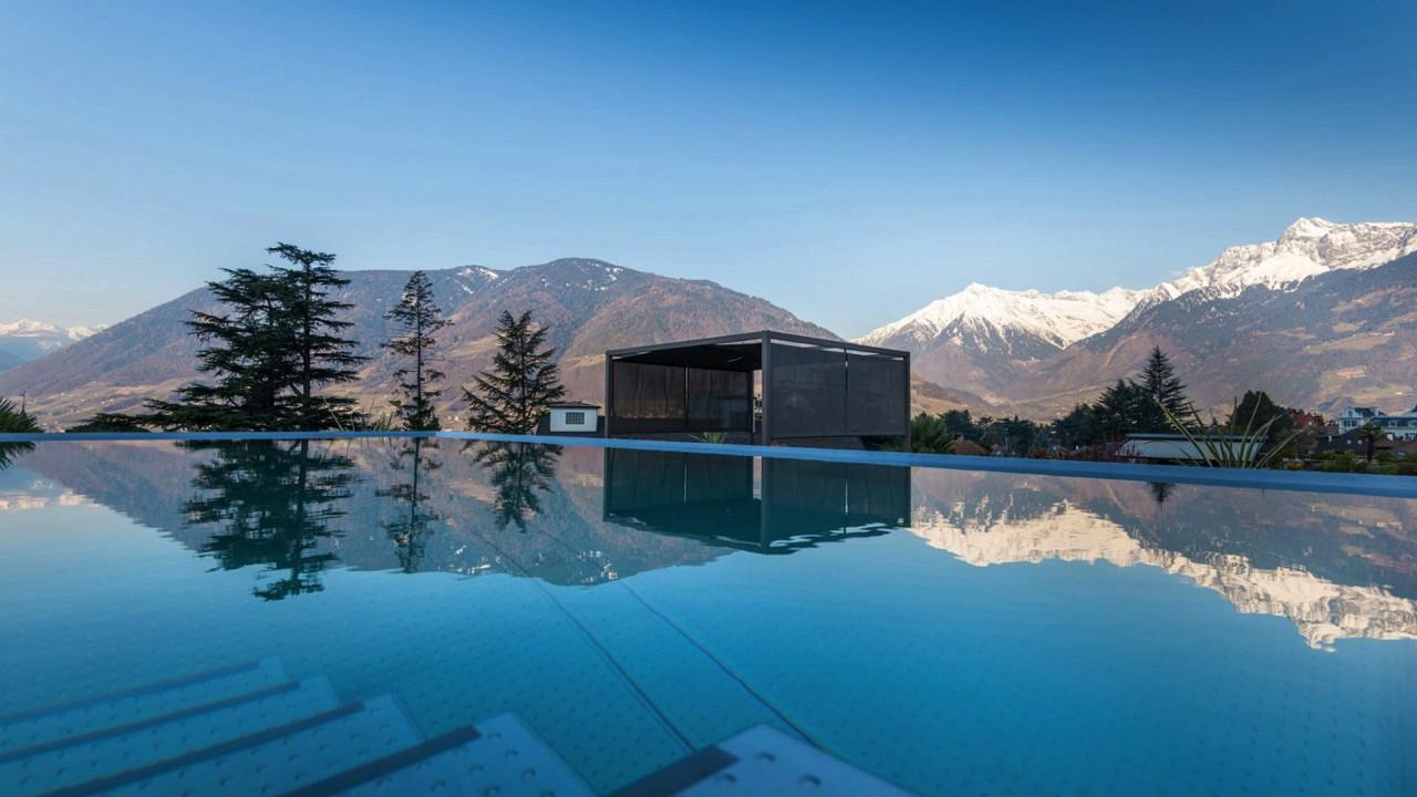 Outdoor pool Hotel Ansitz Plantitscherhof Merano