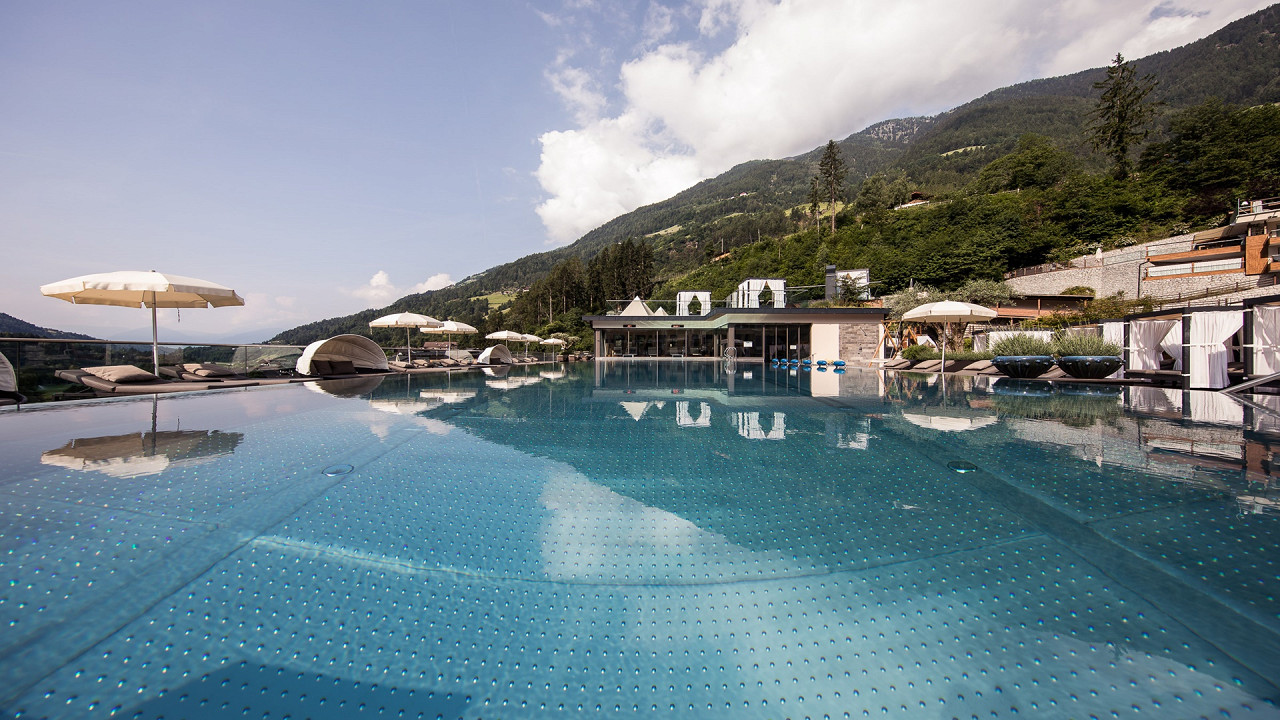 Infinity Pool Quellenhof Luxury Resort Passeier