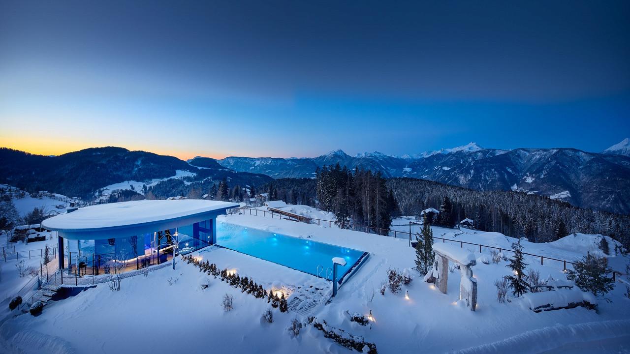 Außenbereich Winter Hotel Chalet Mirabell Hafling