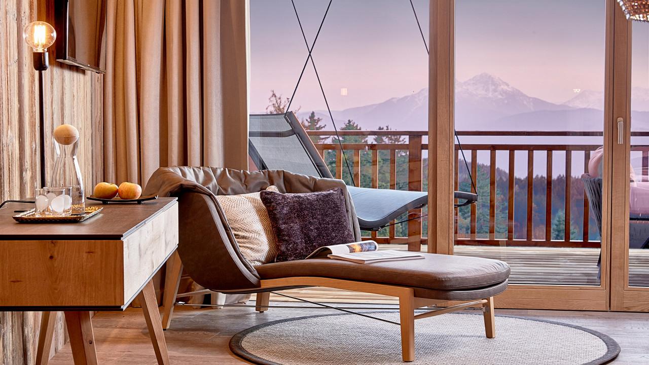 Raum mit Blick Hotel Chalet Mirabell Hafling