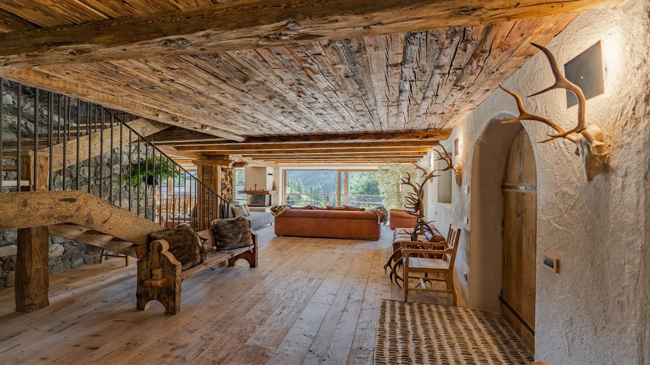 Living room in wood Cesa del Louf Arabba