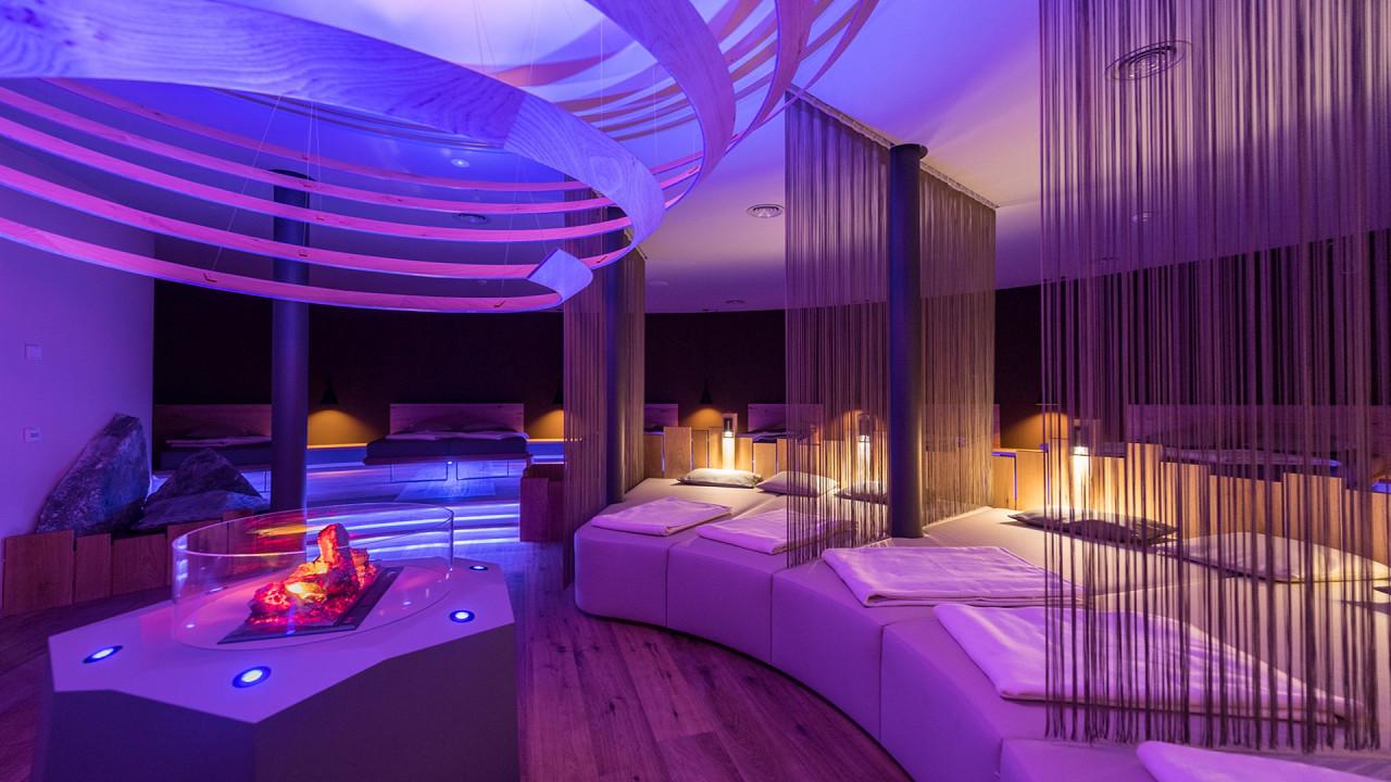 Relaxation room Mirabell Dolomites Hotel Valdaora