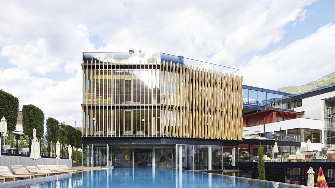 Открытый бассейн Отель Линденхоф натурно