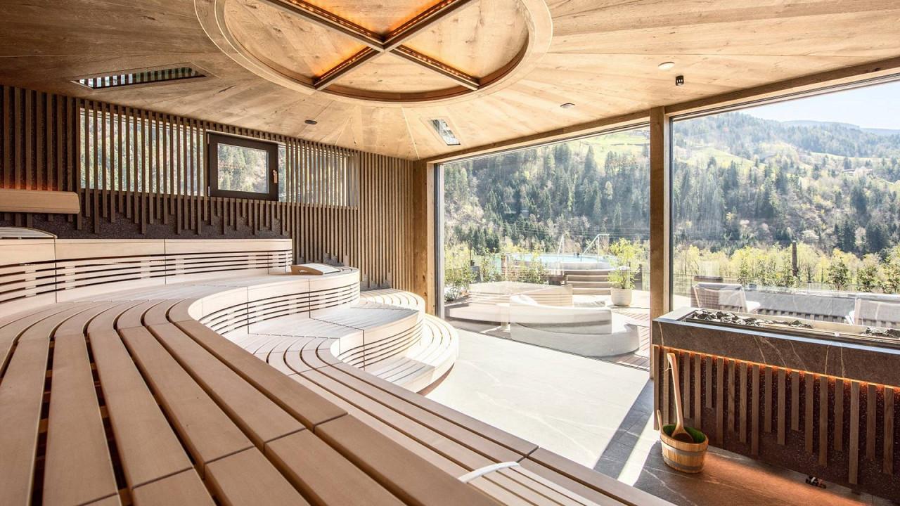 Sauna panoramique filandais Quellenhof Luxury Resort Passeier