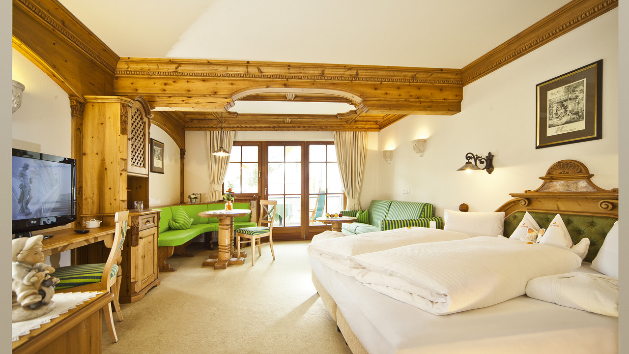 Room Mirabell Dolomites Hotel Valdaora