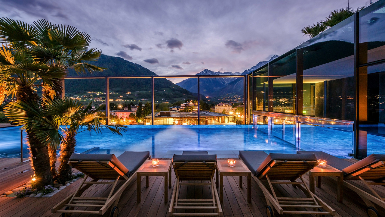 Night infinity pool Hotel Terme Merano
