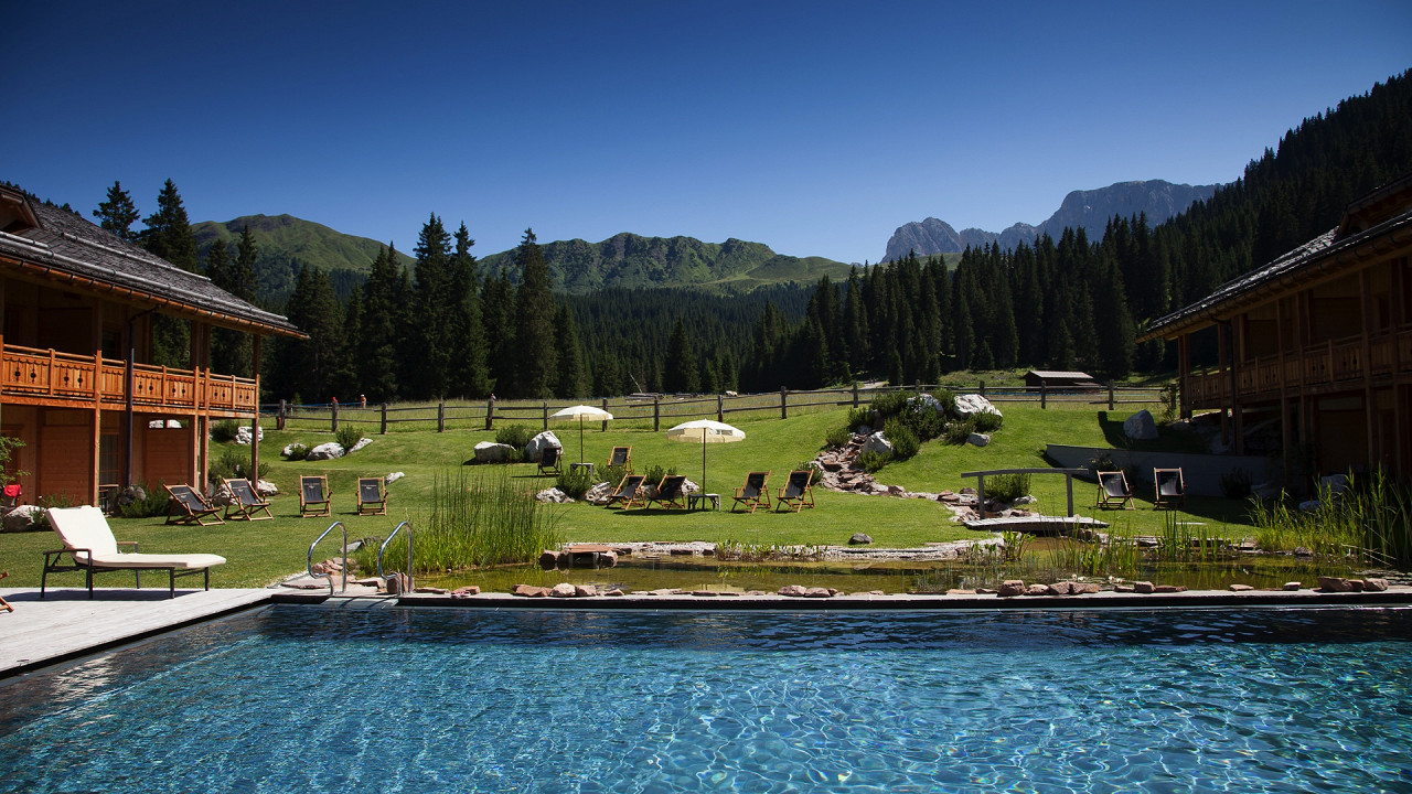 Pool and panorama Tirler Hotel Alpe di Siusi