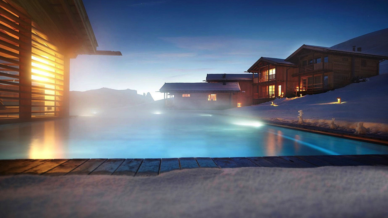 Winter outdoor with pool Adler Lodge Alpe di Siusi