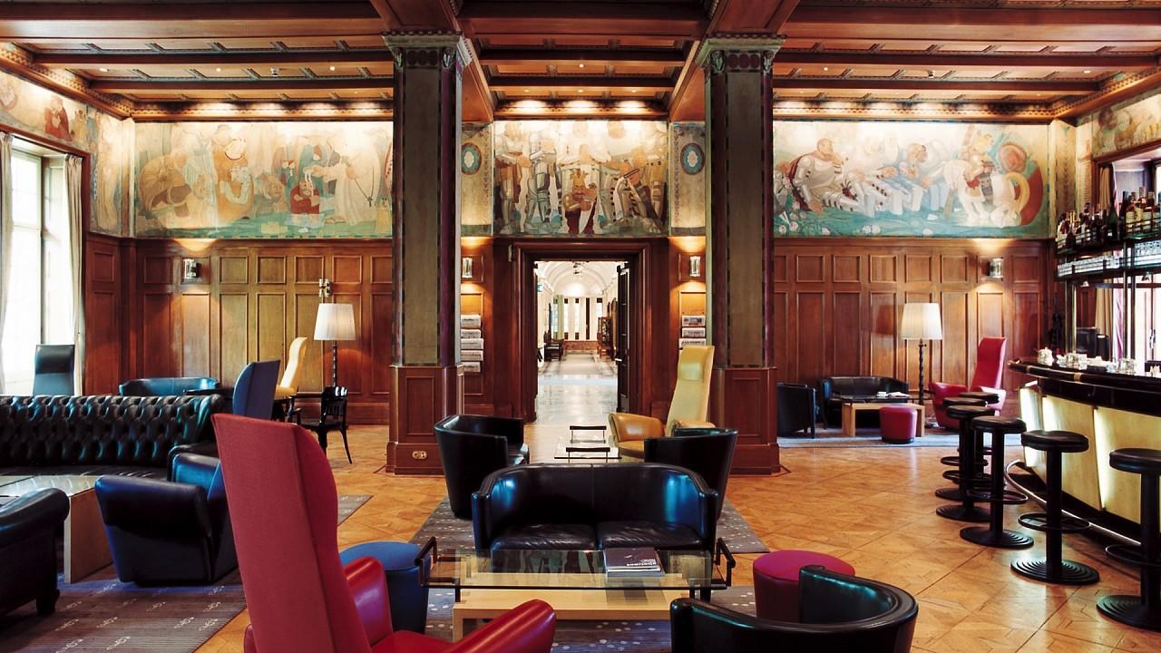 внутренний Парк-отель Лаурин Больцано