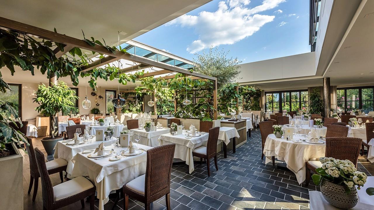 Open air restaurant Hotel Plantitscherhof Merano