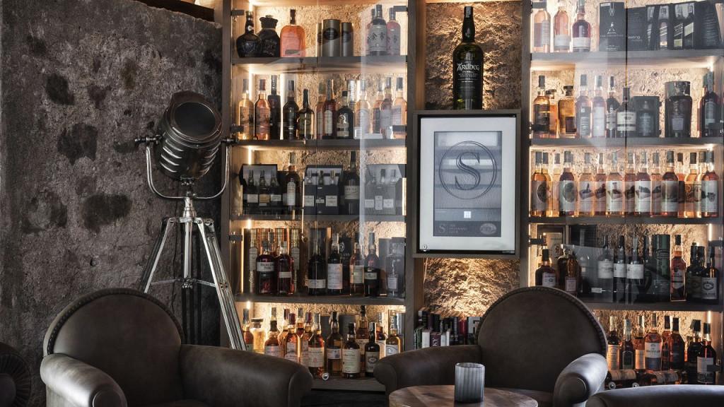 Cigars, whisky & motors