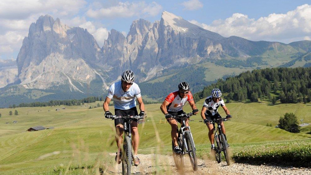 MTB - Exploring the beauties of the Dolomites!