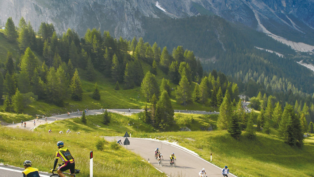 Cycling in the heart of the Dolomites