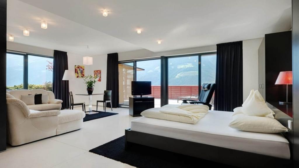 Черно-белые апартаменты