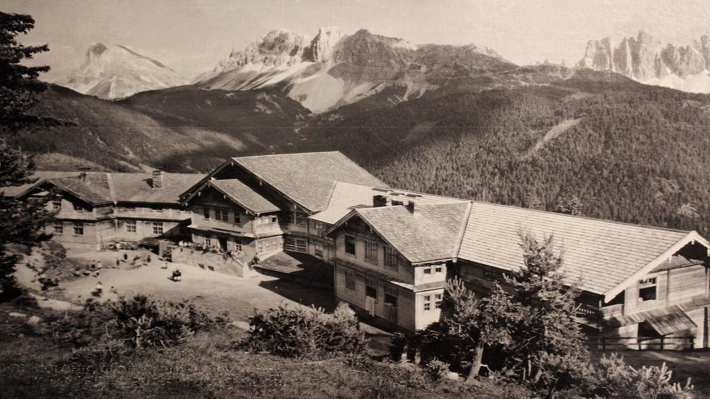 Altes Foto Außenseite FORESTIS Dolomites Brixen