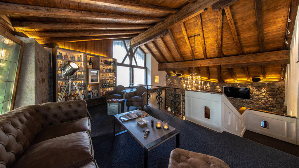Salon Hotel Plantitscherhof Merano histoire art